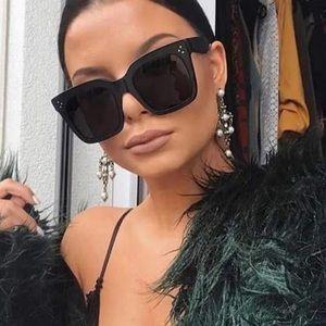 Accessories - Black flat top oversized sunglasses